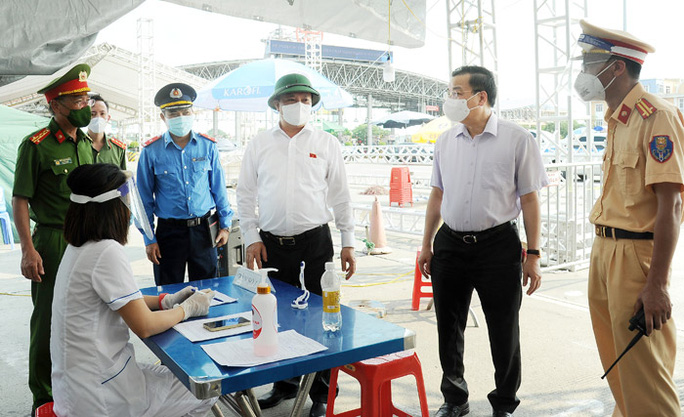 Hà Nội yêu cầu các bệnh viện thực hiện 4 tại chỗ - Ảnh 1.