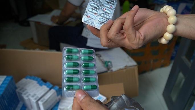 Phát hiện số lượng lớn tân dược nghi nhập lậu - Ảnh 2.