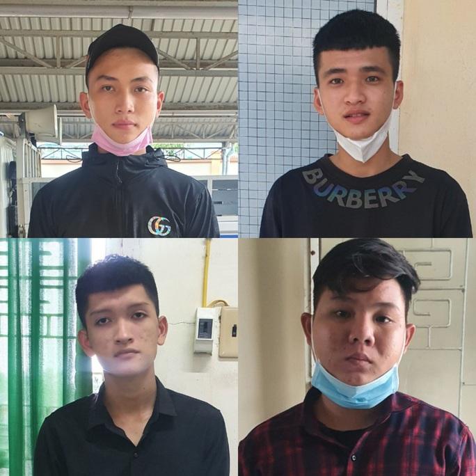 Hàng chục đối tượng ở Tiền Giang mang hung khí diễu hành giữa ban ngày - Ảnh 3.