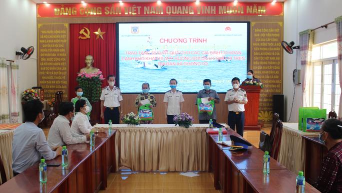 Cảnh sát biển và biên phòng ở Kiên Giang giúp dân nghèo ổn định cuộc sống - Ảnh 4.