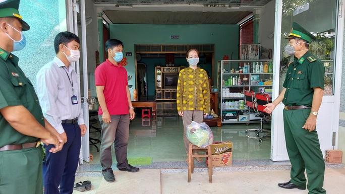 Cảnh sát biển và biên phòng ở Kiên Giang giúp dân nghèo ổn định cuộc sống - Ảnh 5.