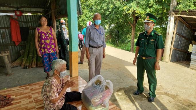 Cảnh sát biển và biên phòng ở Kiên Giang giúp dân nghèo ổn định cuộc sống - Ảnh 6.