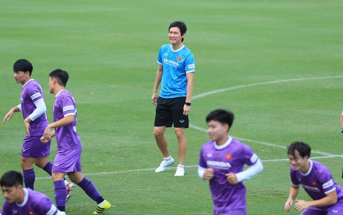 Đội tuyển Việt Nam đón sự trở lại của HLV Park Hang-seo - Ảnh 5.