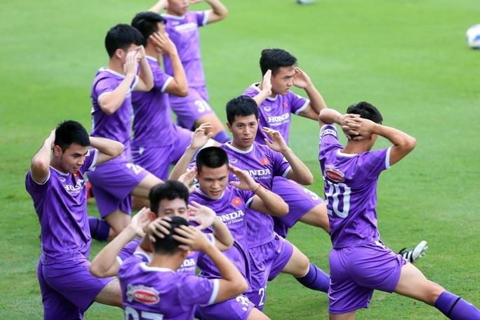 Đội tuyển Việt Nam đón sự trở lại của HLV Park Hang-seo - Ảnh 6.