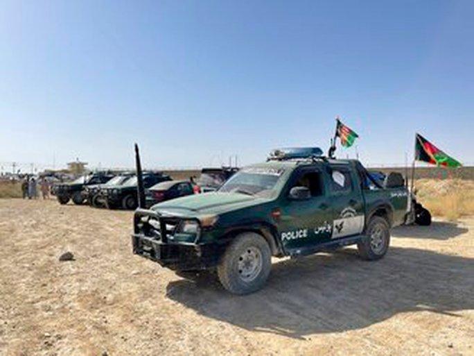 Taliban nuốt trọn toàn bộ miền Nam Afghanistan - Ảnh 1.