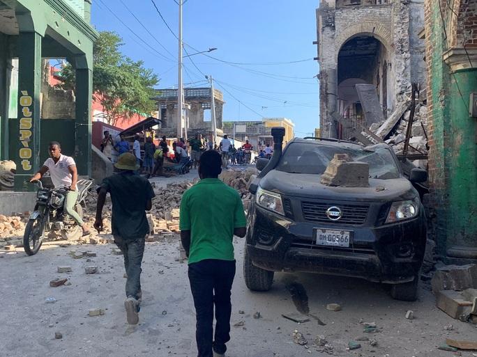Haiti họa liên tiếp, bão biển nối đuôi động đất mạnh  - Ảnh 1.