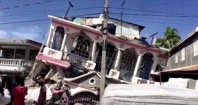 Haiti họa liên tiếp, bão biển nối đuôi động đất mạnh  - Ảnh 4.
