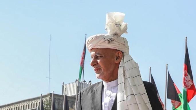 Tổng thống Afghanistan ra đi để cứu dân khỏi đổ máu - Ảnh 1.