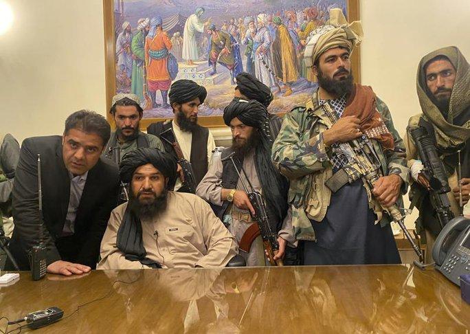 Tổng thống Afghanistan ra đi để cứu dân khỏi đổ máu - Ảnh 5.