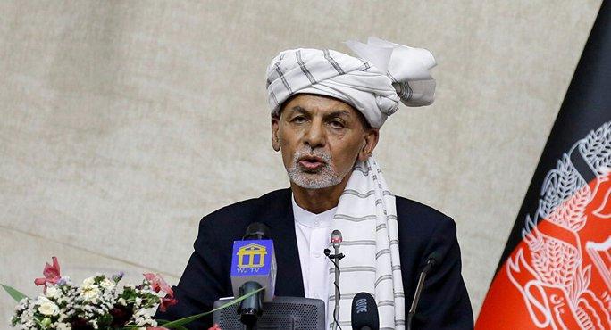 Nga: Tổng thống Afghanistan rời đất nước với những chiếc xe đầy tiền - Ảnh 1.