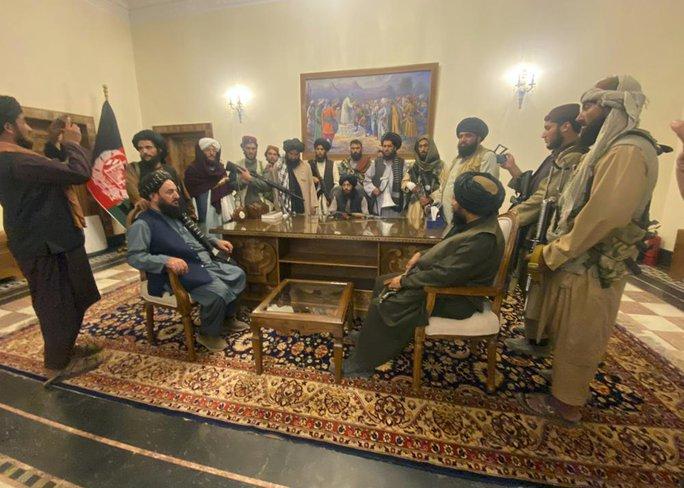 Tổng thống Afghanistan ra đi để cứu dân khỏi đổ máu - Ảnh 6.
