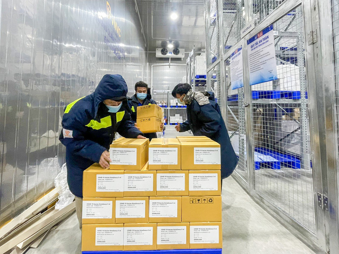 Thêm hơn 1,1 triệu liều vắc-xin AstraZeneca cho miền Nam - Ảnh 1.