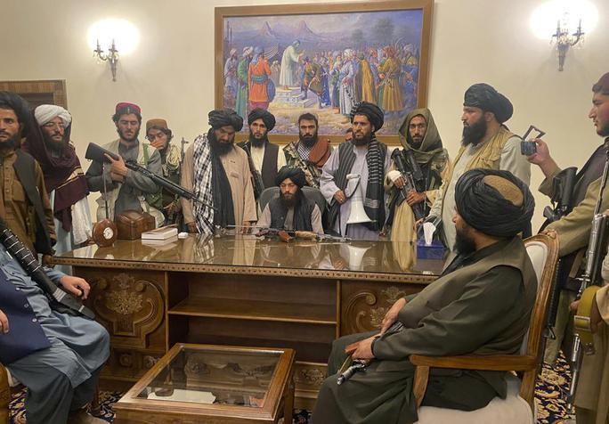 Tổng thống Afghanistan ra đi để cứu dân khỏi đổ máu - Ảnh 7.