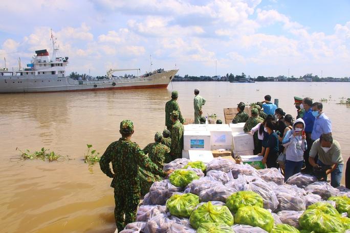 Hải quân kết nối tiêu thụ hơn 60 tấn nông sản cho Đồng Tháp - Ảnh 5.