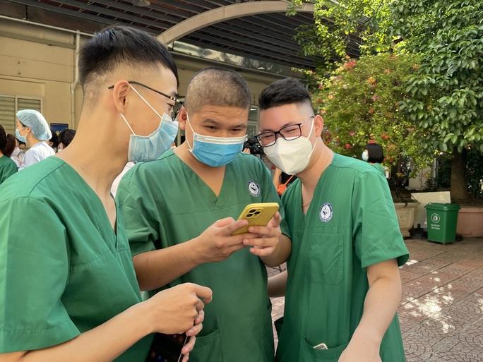 122 thầy thuốc Bệnh viện Phụ sản Trung ương lên đường vào miền Nam hỗ trợ chống dịch Covid-19 - Ảnh 9.
