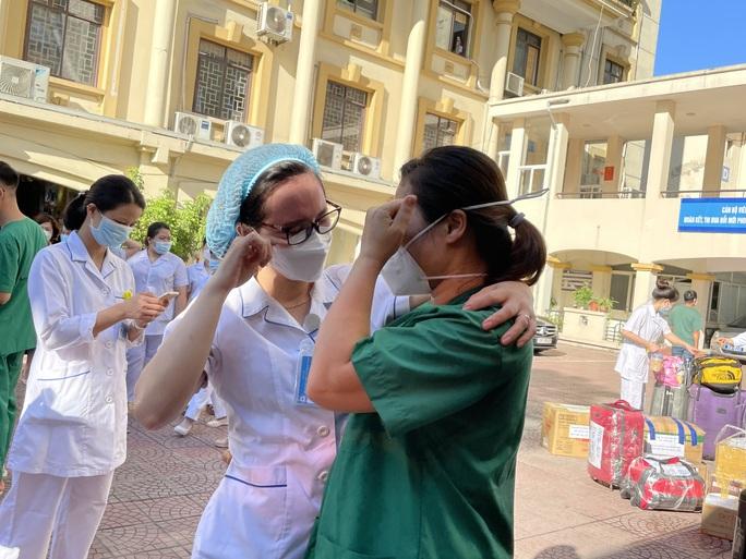122 thầy thuốc Bệnh viện Phụ sản Trung ương lên đường vào miền Nam hỗ trợ chống dịch Covid-19 - Ảnh 8.