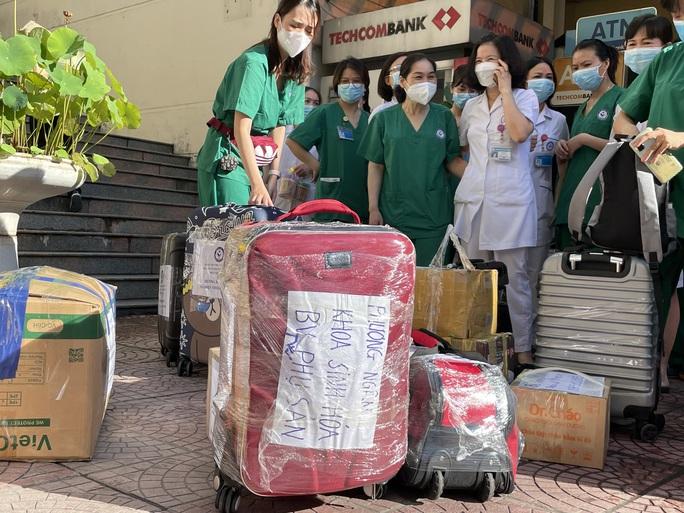 122 thầy thuốc Bệnh viện Phụ sản Trung ương lên đường vào miền Nam hỗ trợ chống dịch Covid-19 - Ảnh 7.