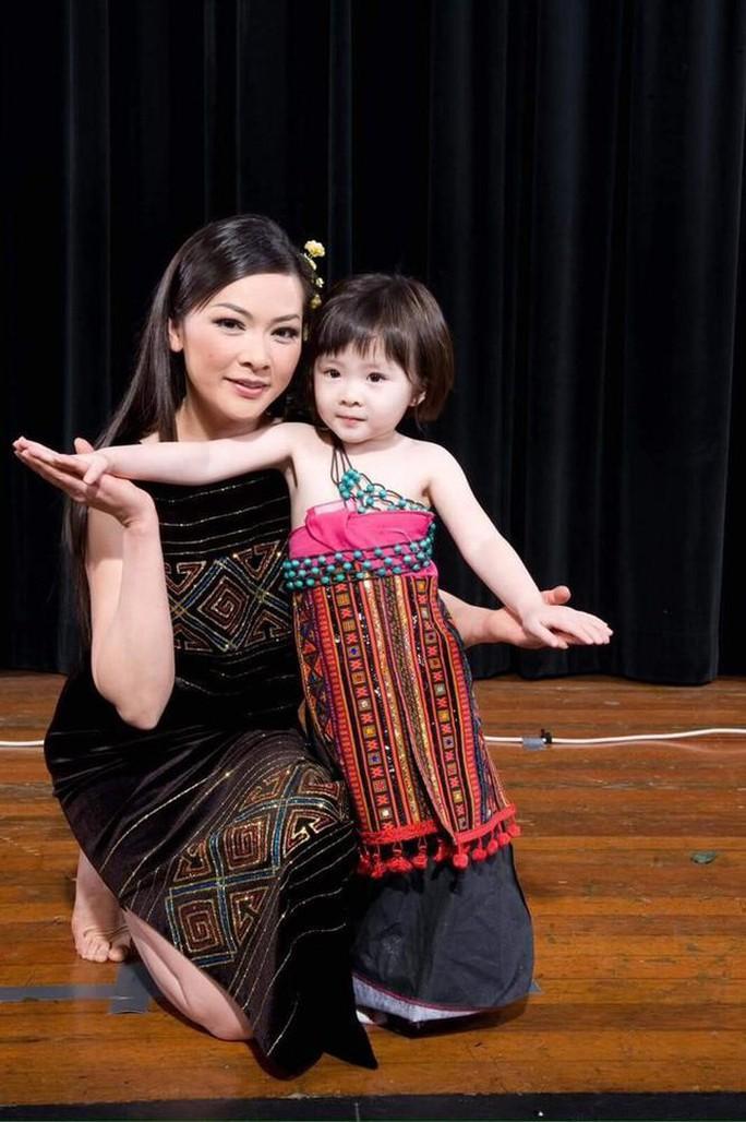 Bất ngờ với diện mạo và giọng hát của con gái ca sĩ Như Quỳnh - Ảnh 5.