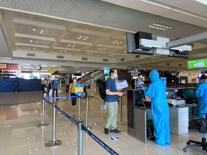 Đoàn y, bác sĩ Bệnh viện Bạch Mai đến TP HCM - Ảnh 3.