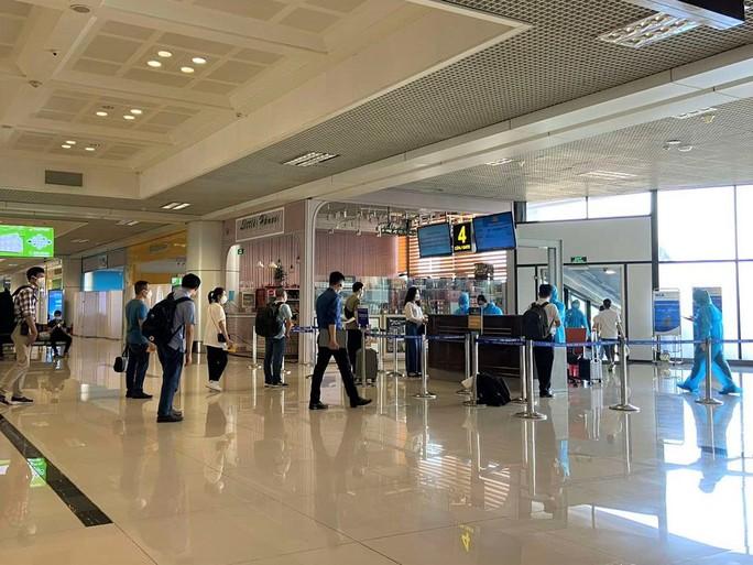 Đoàn y, bác sĩ Bệnh viện Bạch Mai đến TP HCM - Ảnh 2.
