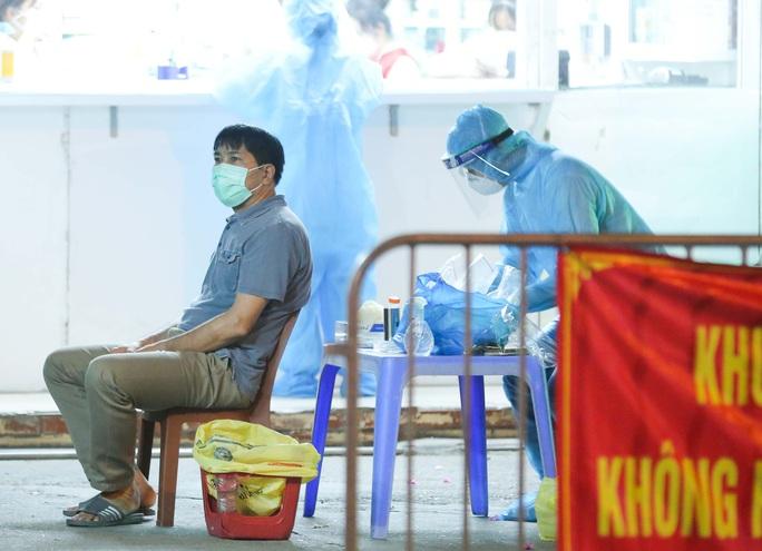 Người phụ nữ tử vong trước khi phát hiện nhiễm SARS-CoV-2 - Ảnh 1.