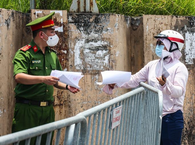 Chỉ ghi nhận 1 ca nhiễm SARS-CoV-2 trong 6 giờ qua ở Hà Nội - Ảnh 1.