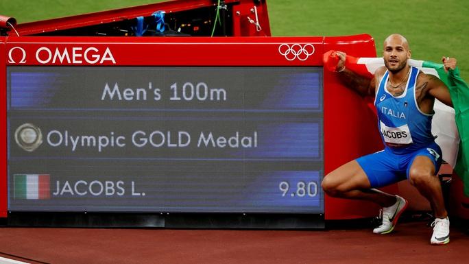 Chuyện chưa kể về người chạy nhanh nhất hành tinh - Ảnh 4.