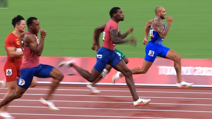 Chuyện chưa kể về người chạy nhanh nhất hành tinh - Ảnh 2.