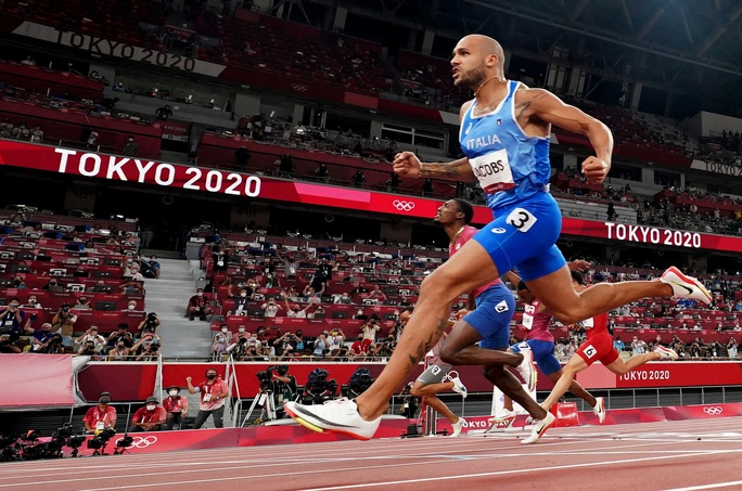 Chuyện chưa kể về người chạy nhanh nhất hành tinh - Ảnh 10.