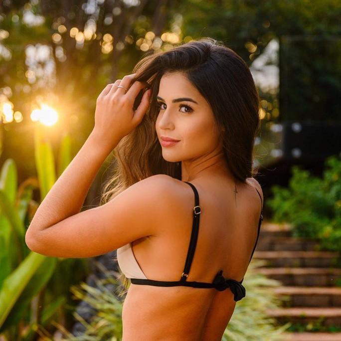 Đường cong bốc lửa của tân Hoa hậu Thế giới Brazil - Ảnh 7.