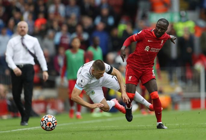 Liverpool dẫn đầu Ngoại hạng Anh sau chiến thắng thứ 2 liên tiếp - Ảnh 2.