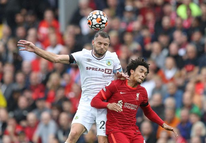 Liverpool dẫn đầu Ngoại hạng Anh sau chiến thắng thứ 2 liên tiếp - Ảnh 3.