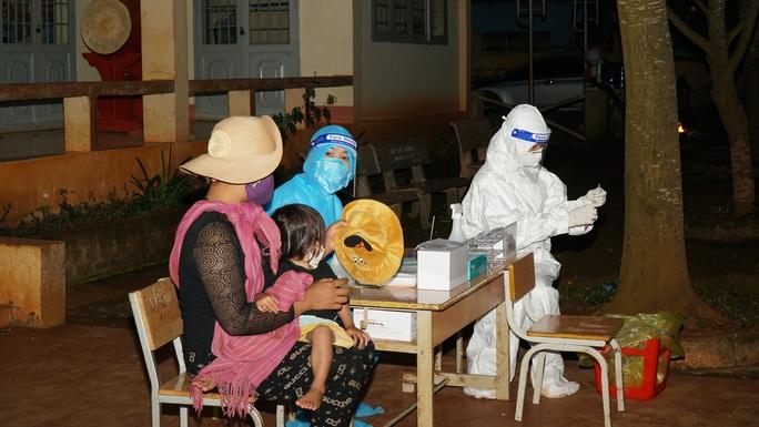 Đắk Lắk: Phát hiện ổ dịch Covid-19 lây nhiễm sâu trong cộng đồng với gần 70 ca mắc - Ảnh 2.