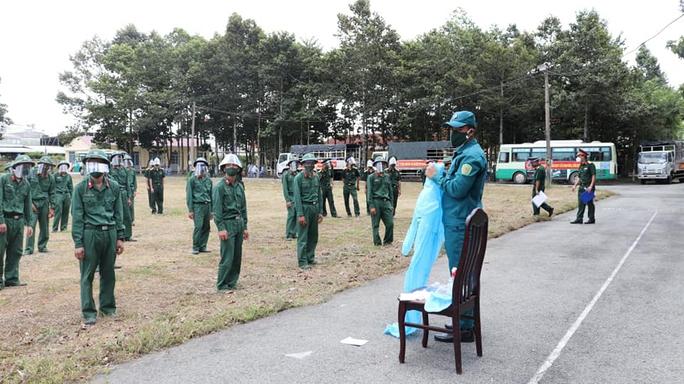 TP HCM: Quân đội hỗ trợ công an trấn áp, xử lý đối tượng chống người thi hành công vụ - Ảnh 2.