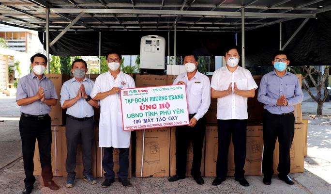 Phú Yên tiếp nhận 100 máy tạo ô-xy phục vụ bệnh nhân Covid-19 - Ảnh 1.