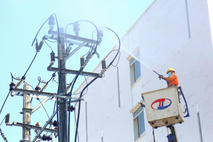 EVNCPC: Nhiều giải pháp đảm bảo cung cấp điện phòng chống dịch tại miền Trung – Tây Nguyên - Ảnh 3.