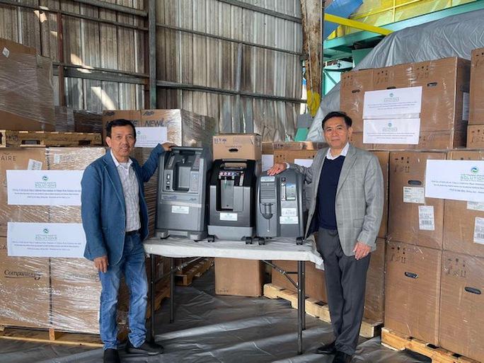 CWS trao tặng 250 máy trợ thở cho Việt Nam - Ảnh 2.