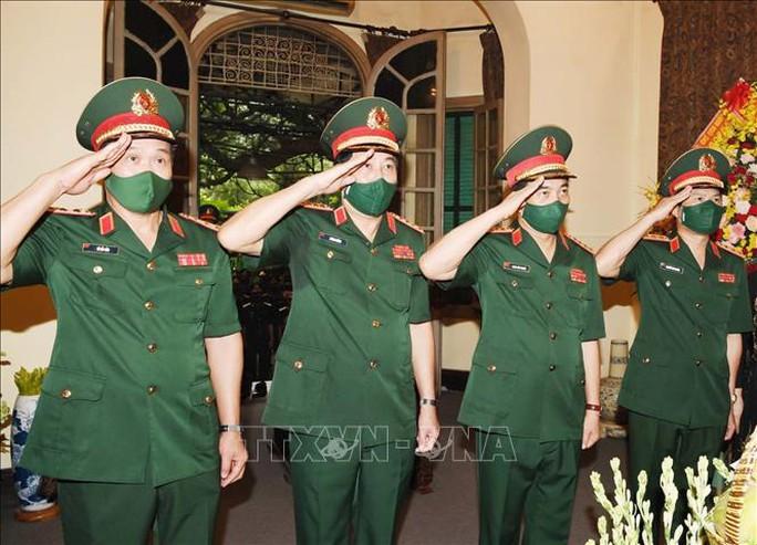 Dâng hương tưởng niệm Đại tướng Võ Nguyên Giáp - Ảnh 2.