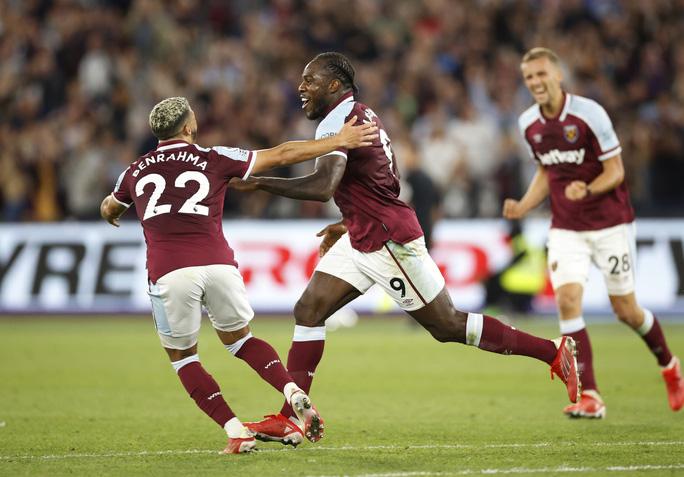 Thắng tưng bừng Leicester, West Ham soán ngôi đầu bảng Ngoại hạng - Ảnh 8.