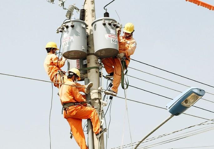 Than và dầu tăng giá, chi phí mua điện của EVN tăng 16.600 tỉ đồng - Ảnh 1.