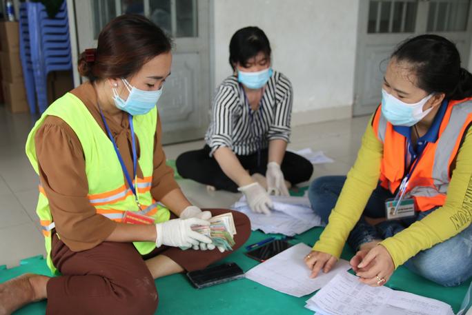 Cận cảnh tổ công tác 3 trong 1 ở huyện ngoại thành TP HCM - Ảnh 8.