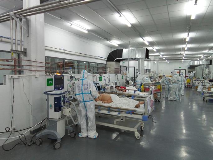 TP HCM: Bên trong bệnh viện dã chiến số 14 chuyên cấp cứu bệnh nhân Covid-19  - Ảnh 4.