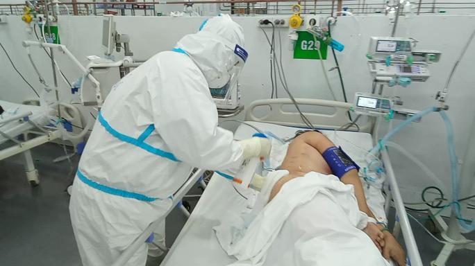 TP HCM: Bên trong bệnh viện dã chiến số 14 chuyên cấp cứu bệnh nhân Covid-19  - Ảnh 6.