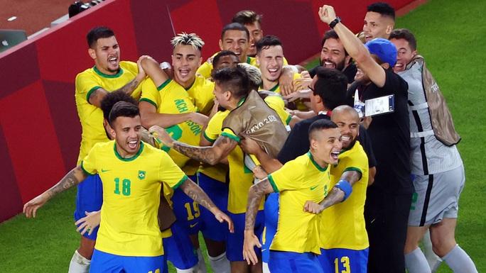 Tuyển Brazil thắng luân lưu, lọt vào chung kết Olympic Tokyo 2020 - Ảnh 11.