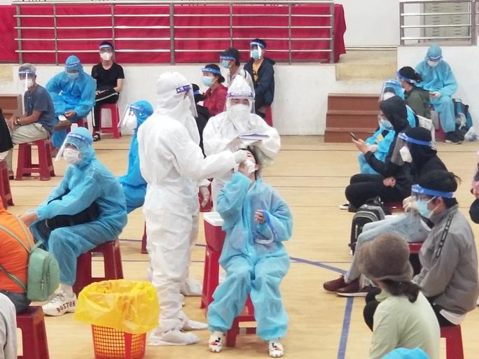Phú Yên tiếp tục đón 600 công dân từ TP HCM về quê