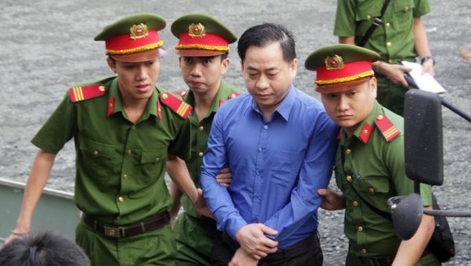 Truy tố nguyên phó tổng cục trưởng Nguyễn Duy Linh nhận hối lộ 5 tỉ đồng - Ảnh 1.