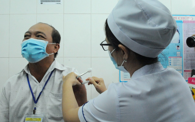 Bộ Y tế nói gì về việc nhiều địa phương xin tiêm vắc-xin Nano Covax? - Ảnh 1.