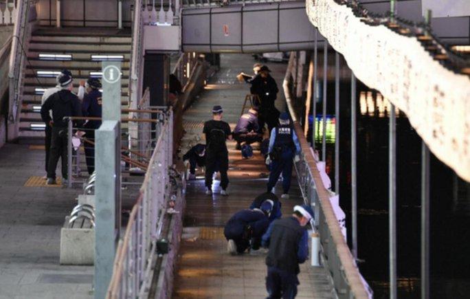 Nhật Bản: Nghi vấn nam thanh niên Việt Nam bị đẩy xuống cầu tử vong - Ảnh 4.