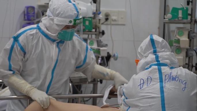 TP HCM vẫn sử dụng 3 loại vắc-xin AstraZeneca, Moderna, Pfizer trong đợt tiêm thứ 6 - Ảnh 1.