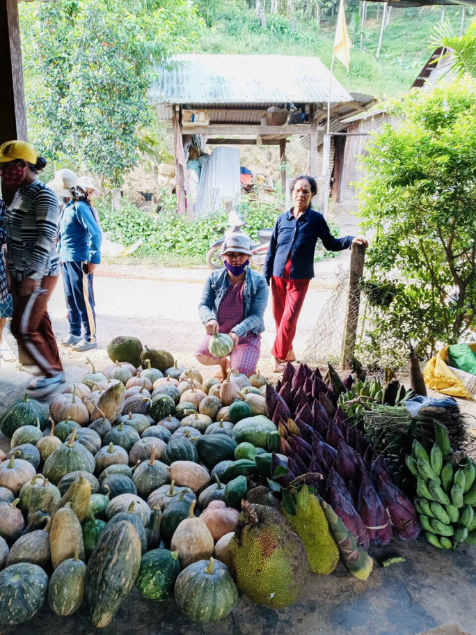 Gửi sản vật cho người dân TP HCM, bà con Trà Leng muốn đền đáp ân tình - Ảnh 1.